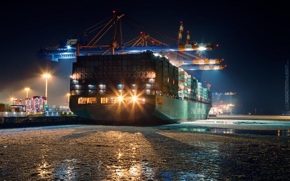 Welthandel scheint bisher protektionistischen Maßnahmen zu trotzen